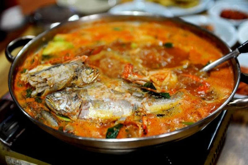 目的地 济州岛 美食列表 > 辣鱼汤        辣鱼汤是韩国传统饮食中的图片