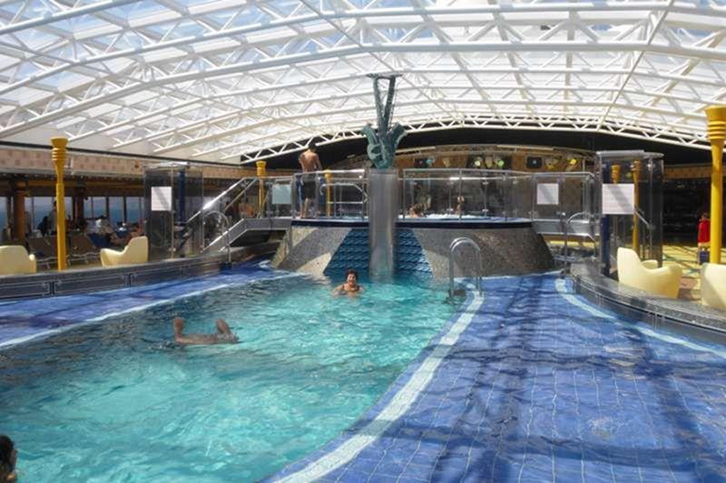 成人图片网站_室内泳池详细图片_介绍_大西洋号_歌诗达邮轮 - 最邮轮旅行网