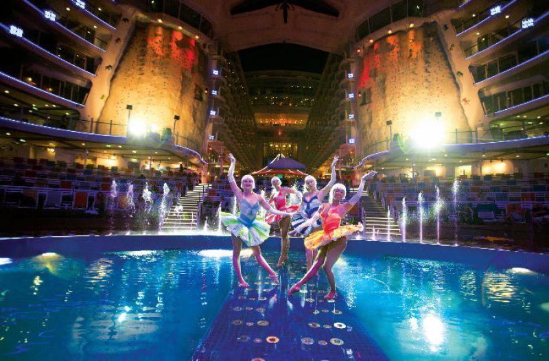 海上剧院详细图片_介绍_海洋绿洲号_皇家加勒比国际