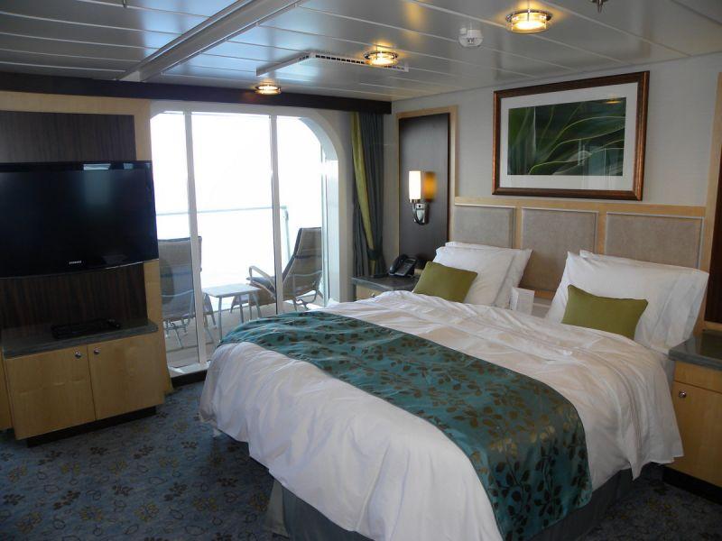 船队 皇家加勒比国际游轮 海洋绿洲号 舱房列表 > 豪华套房 gs