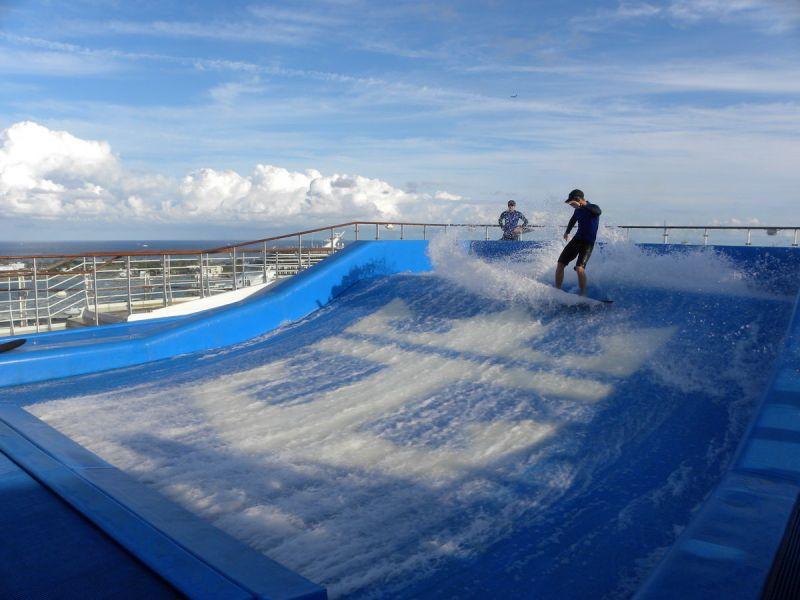 船队 皇家加勒比国际游轮 海洋绿洲号 相册列表 > 娱乐