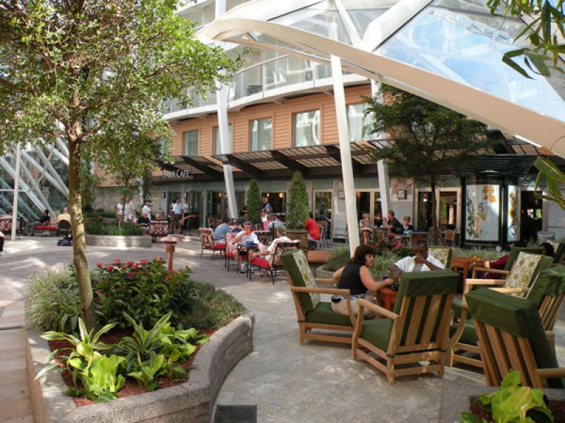 公园咖啡馆详细介绍 图片 海洋和悦号 皇家加勒比国际游轮 最邮轮旅行网