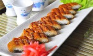 烤鳗鱼和鳗鱼汤