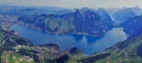 因特拉肯 坐拥瑞士最美自然景观
