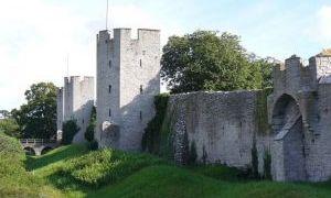 维斯比城墙
