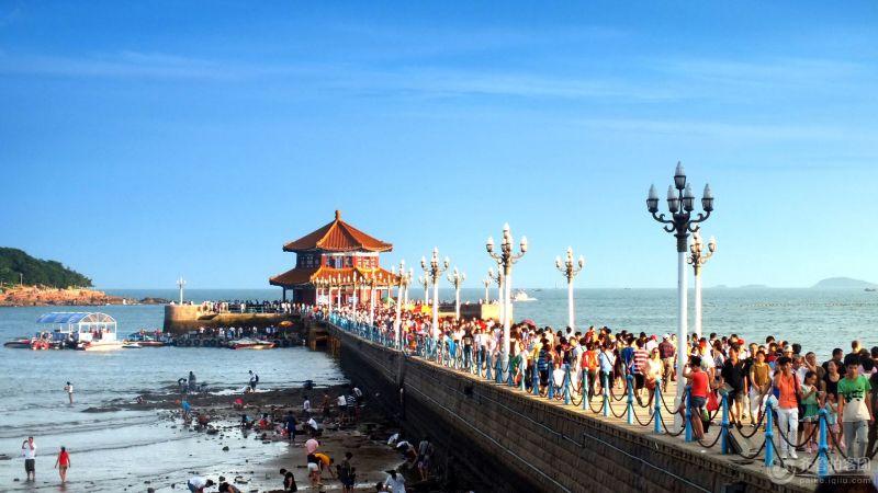是青岛海滨风景区的景点之一,是国务院1982年首批公布的国家级风景