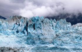 哈伯德冰川 冰川面积庞大